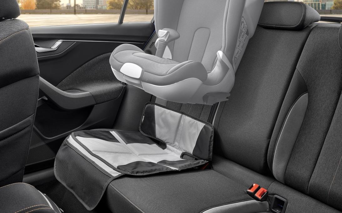 Podložka pod dětskou sedačku